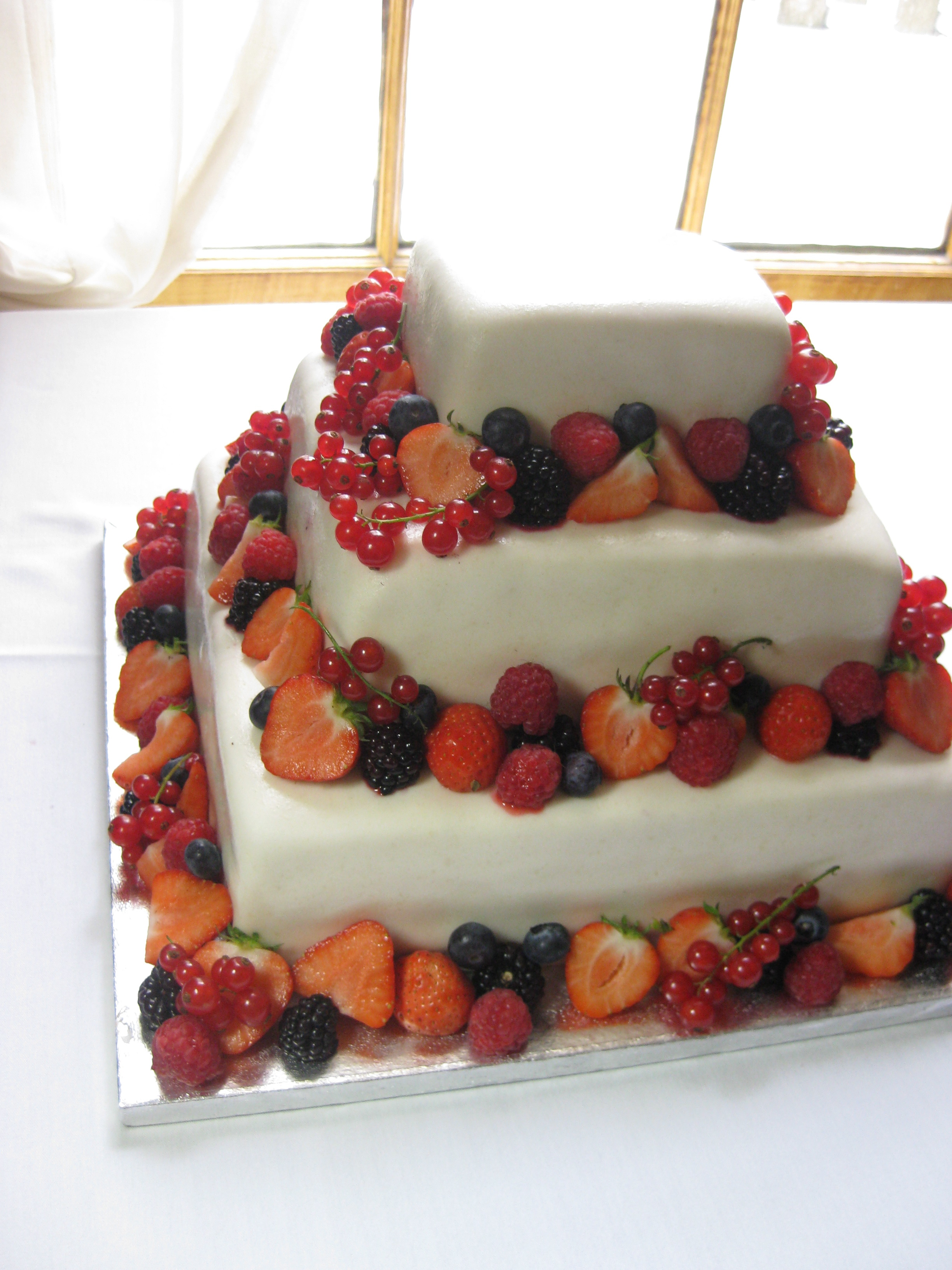 wedding cakes brighton co wedding cakes brighton 07927 400 301 our website has 23945
